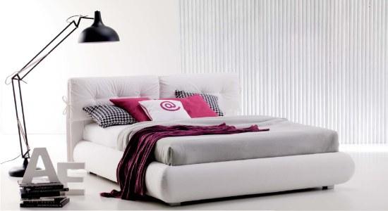 Havana camilla un letto imbottito con cuscini trapuntati - Letto con cuscini ...