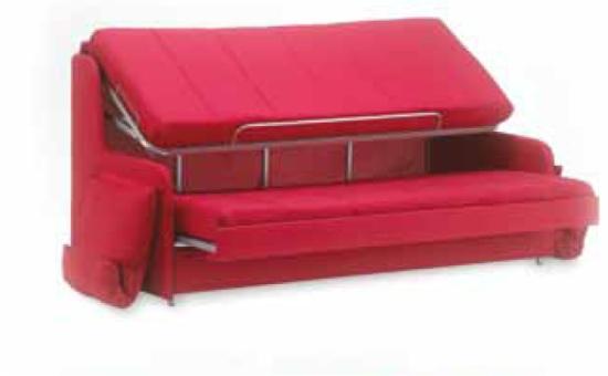 Divano letto a castello mr hide tre letti in un divano for Divano letto a castello