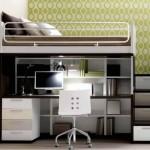 scala con cassettoni e scrivania