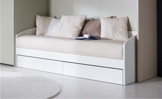 Letto a divano in legno ghiro doimo dielle for Letto divano singolo