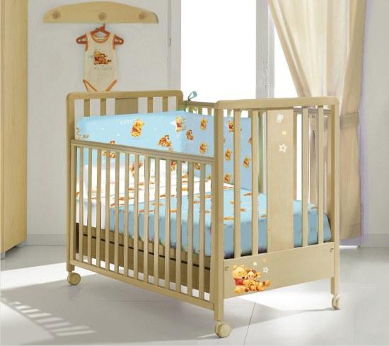 Un lettino per neonati in offerta con Winnie The Pooh