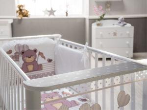 lettino da bimbi con orsetti